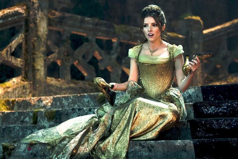 """Anna Kendrick incarne une Cendrillon moderne et imparfaite dans """"Into the Woods"""""""