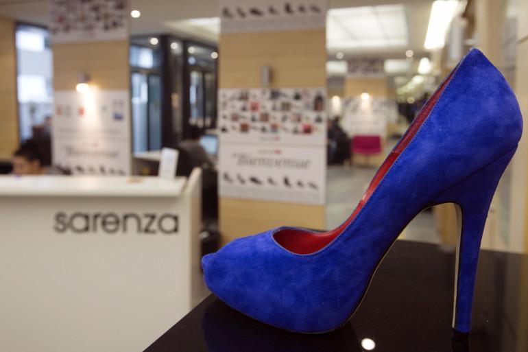 Une chaussure dans les locaux de Sarenza à Paris (illustration)