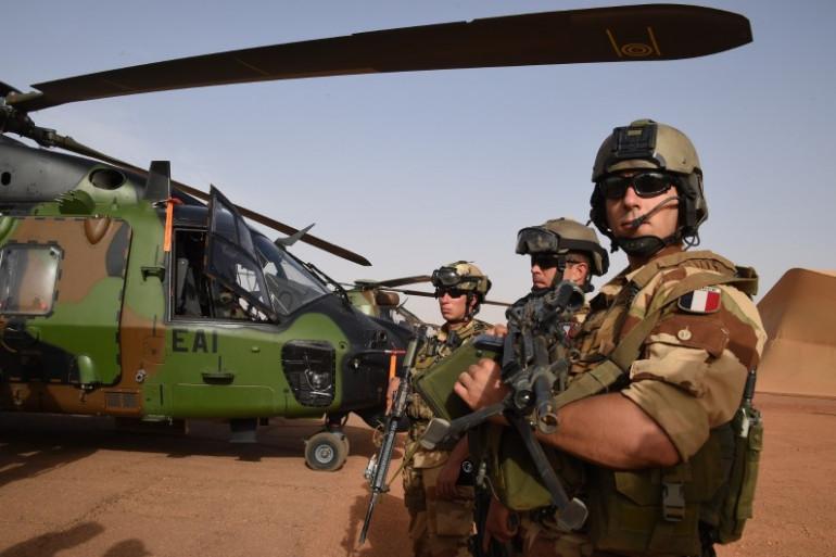 Des soldats français de l'opérations Barkhane au Mali, le 2 janvier 2015.
