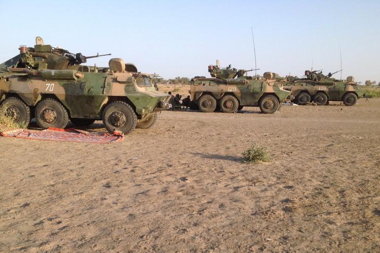 Des véhicules de l'armée tchadienne prêts à partir pour Gamboru au Nigeria, le 1er février 2015.