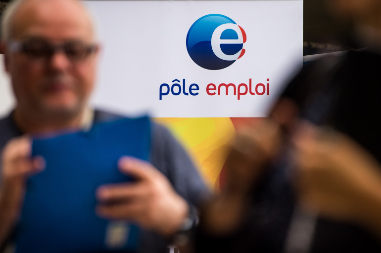 Le logo de pôle emploi lors d'un forum sur l'emploi (illustration)
