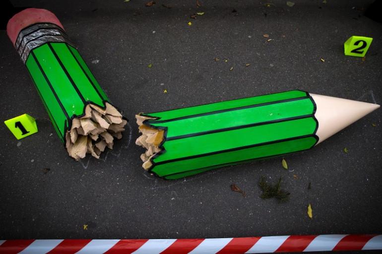Un crayon cassé, lors de la Marche républicaine à Paris, le 11 janvier 2015.