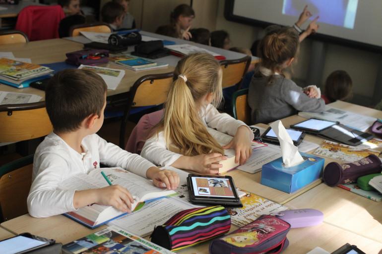 Une classe d'école française (illustration)