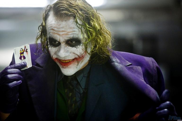 """Heath Ledger est le dernier à avoir interprété le joker au cinéma dans """"The Dark Knight"""" (2008)"""