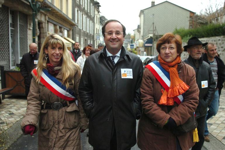 Sophie Dessus (à gauche) accompagnant François Hollande en 2008 (archives)