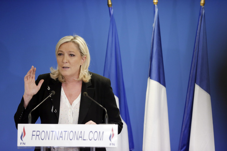 Marine Le Pen lors d'un discours après la publication des premiers résultats du premier tour des élections départementales, le 22 mars 2015, à Nanterre.