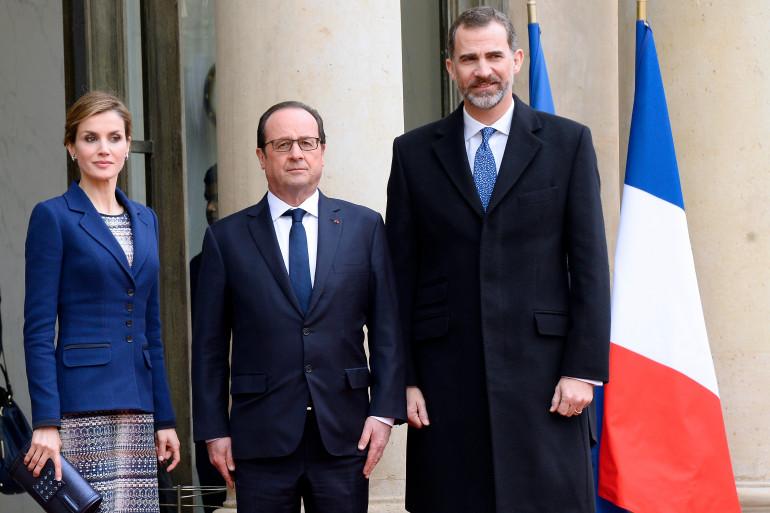 Le roi Felipe VI et sa femme la reine Letizia, avec François Hollande, à l'Élysée, le 24 mars 2015.