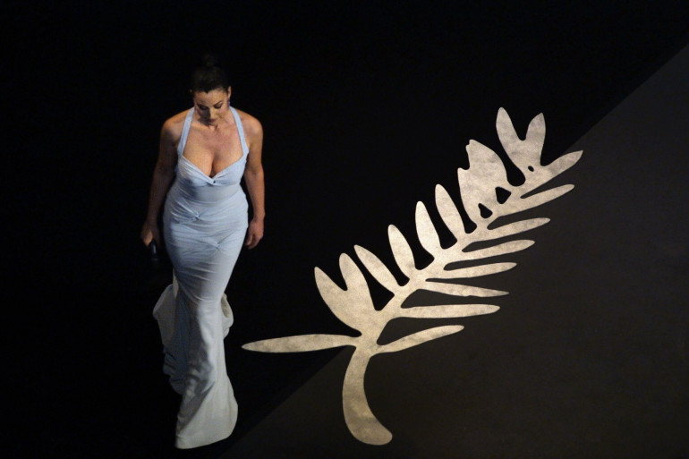 Monica Bellucci plendide lors de la cérémonie du Festival de Cannes en 2003