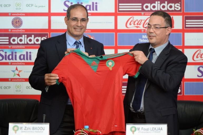 Le sélectionneur Badou Zaki, avec Fouzi Lekjaa, lors de son intronisation à la tête de l'équipe nationale du Maroc, le 2 mai 2014