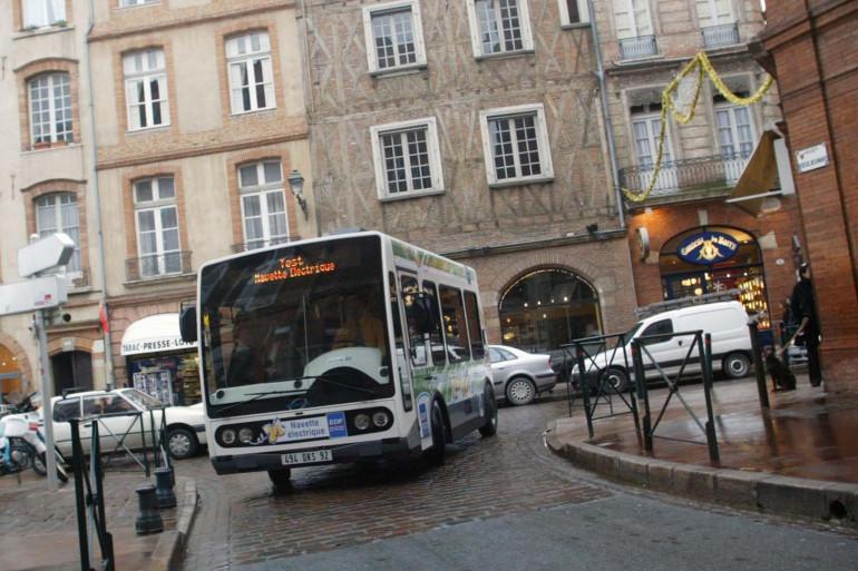 Un minibus électrique à Toulouse