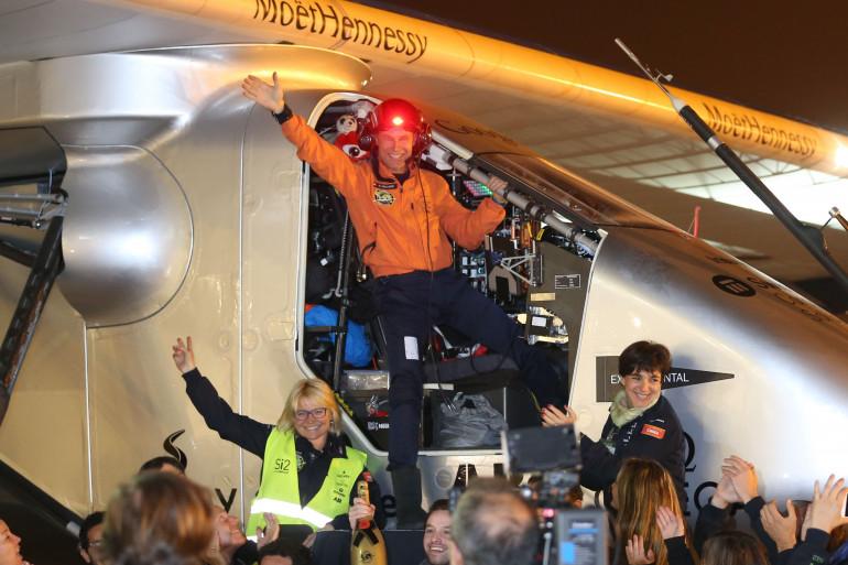 Bertrand Piccard, le pilote de Solar Impulse, atterrit à Nankin, en Chine, le 21 avril 2015