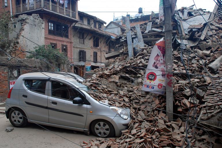 La ville de Katmandou sous les décombres après le séisme, samedi 25 avril