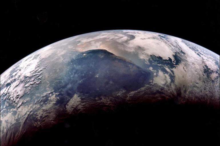 Photo prise de la mission Apollo XI, d'une partie du globe terrestre, le 24 juillet 1969, lors de son retour sur Terre (illustration)