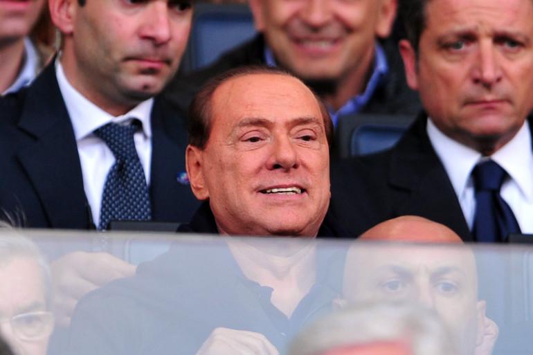 Silvio Berlusconi assiste à un match de l'AC Milan contre Parme le 17 mars 2012 à Milan