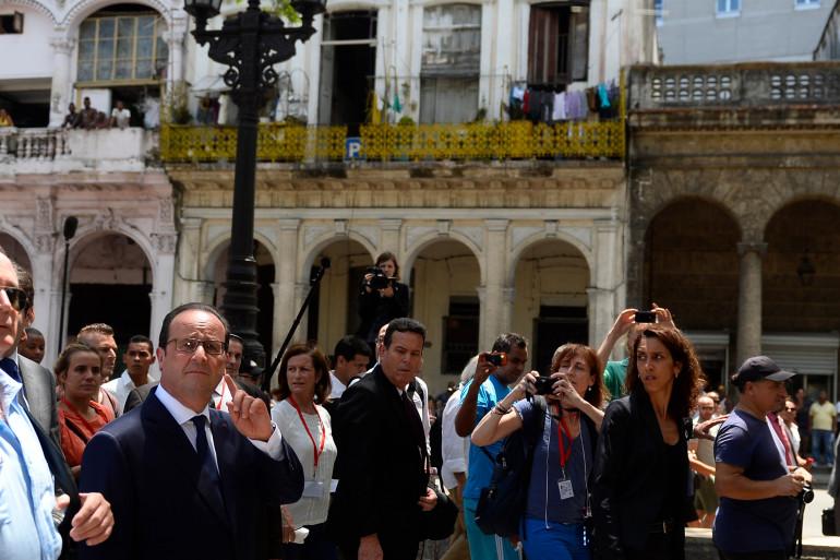 Hollande dans les rues de La Havane, le 11 mai 2015