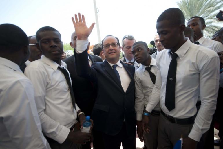 François Hollande à Port-aux-Princes mardi 12 mai 2015