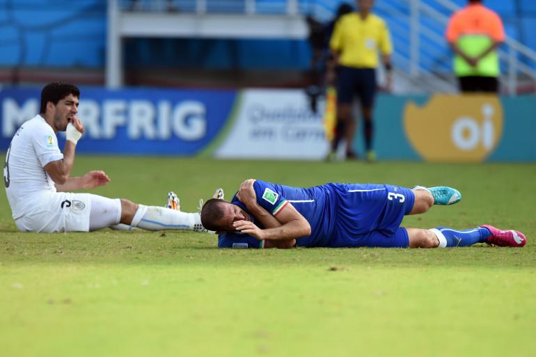 Luis Suarez et Giorgio Chiellini le 24 juin 2014 au Brésil