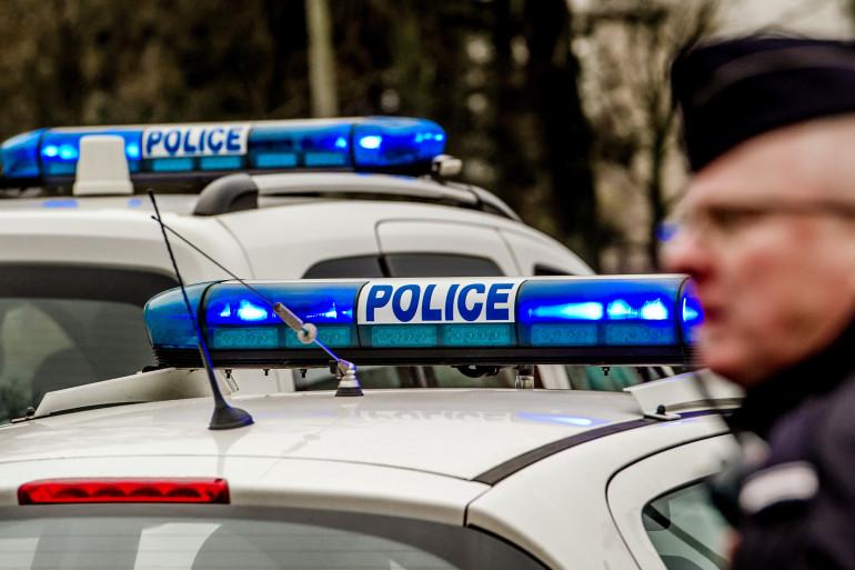 Des voitures de police le 18 décembre à Calais (Illustration).