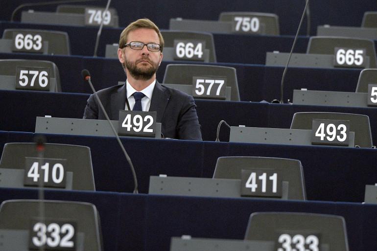 S'il a quitté l'UMP en octobre 2014, Jérôme Lavrilleux continue de siéger à Strasbourg au sein du groupe PPE, comme les autres élus français de l'UMP. (ici le 1er juillet 2014 au Parlement européen).