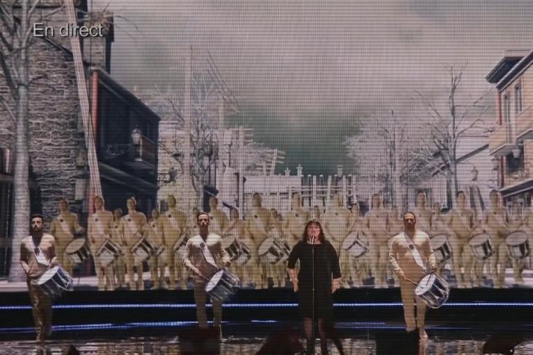 """Lisa Angell a interprété """"N'oubliez pas"""" devant un public viennois conquis"""