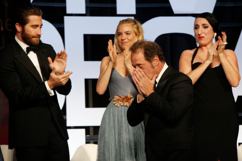 Toute l'émotion de Vincent Lindon lors de la remise des prix du 68e festival de Cannes, le 24 mai 2015