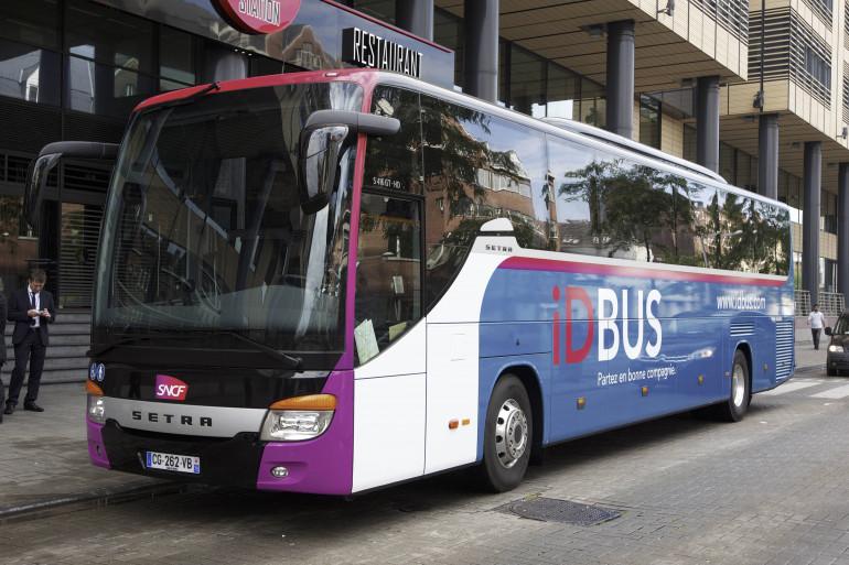 Un autocar iDBus de la SNCF