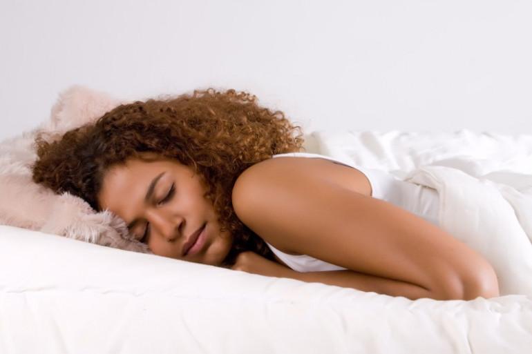 Apprenez à écouter votre corps pour repérer les signes du sommeil.