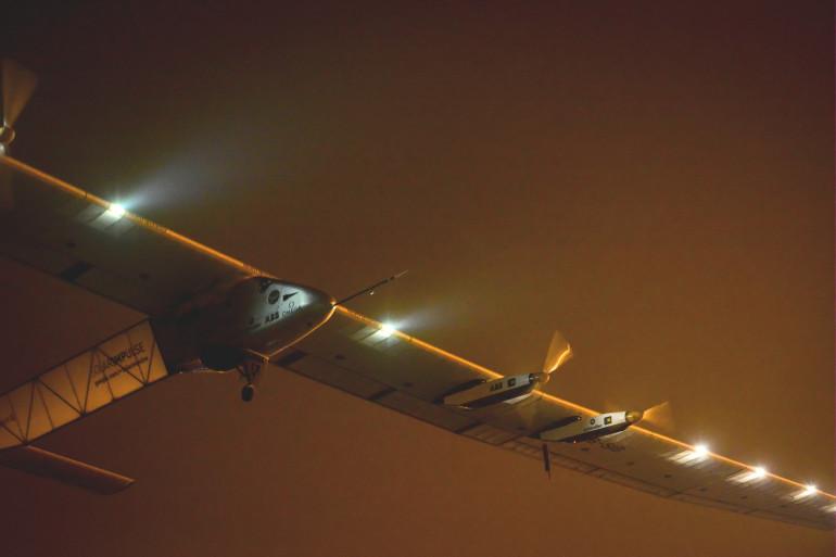 L'avion révolutionnaire Solar Impulse au décolle de l'aéroport international de Nanking,en Chine, le 31 mai 2015.
