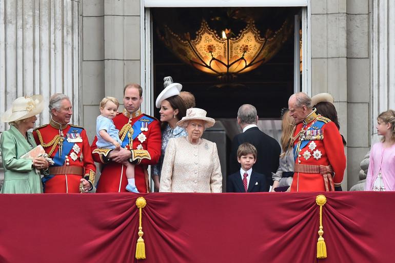 La famille royale sur le balcon de Buckingham Palace