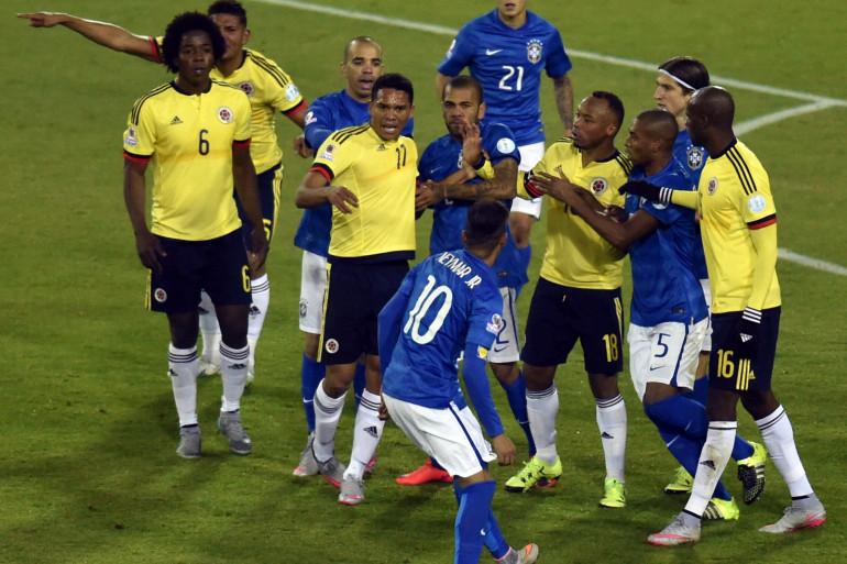 Neymar a vécu une soirée compliquée face à la Colombie le 17 juin 2015