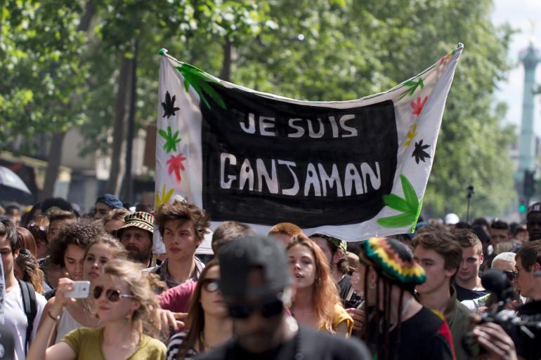 Manifestation à Paris pour la légalisation du cannabis le 9 mai 2015