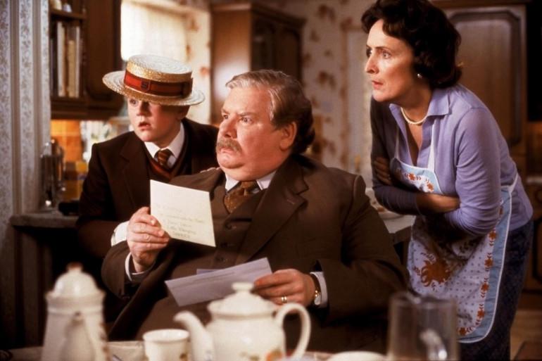 Les Dursley (ici dans le premier film) ont mené la vie dure à Harry Potter