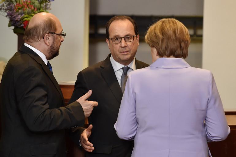 François Hollande en compagnie de Martin Schulz (à gauche) et Angela Merkel le 23 avril 2015 (archives)