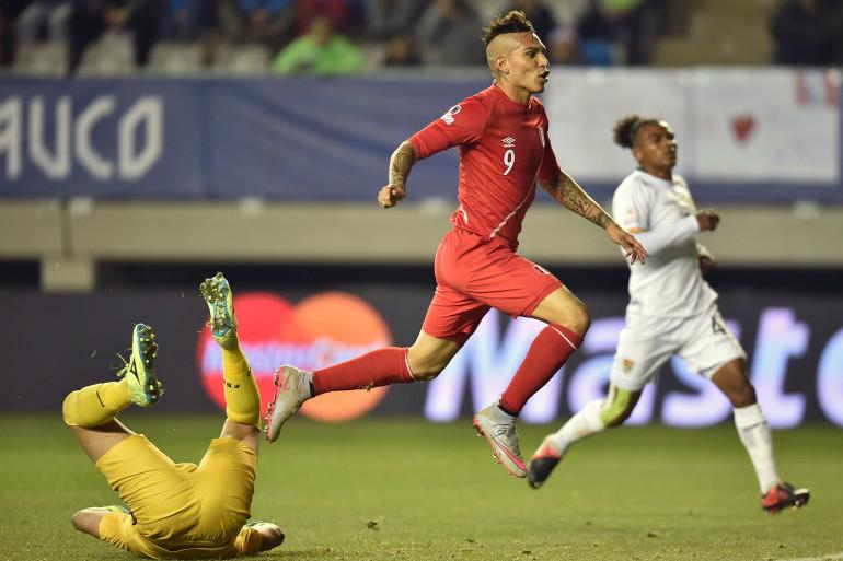 Pablo Guerrero a inscrit trois buts lors du quart de finale de Copa America opposant le Pérou à la Bolivie