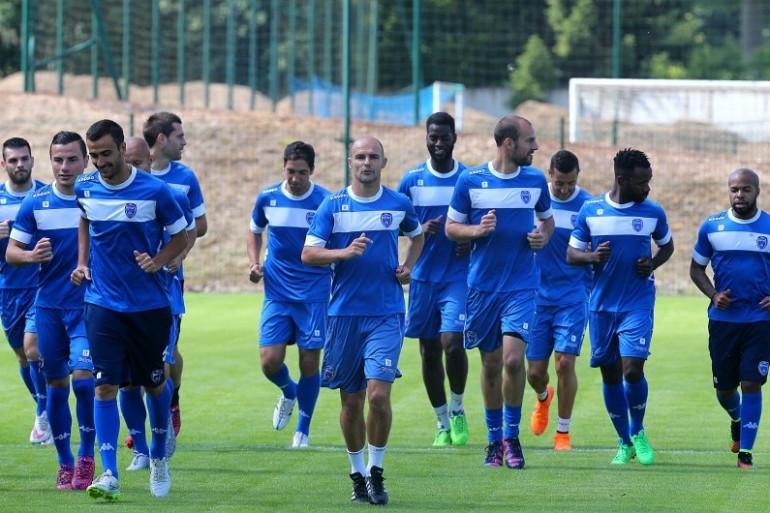 Les joueurs de l'ESTAC Troyes à l'entraînement, le 24 juin 2015