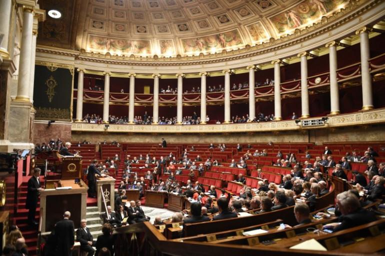 L'Assemblée examine le projet de loi relatif au droit des étrangers