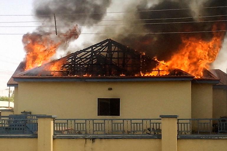 Un commissariat en feu près de Gombe, une ville très touchée par les islamistes de Boko Haram