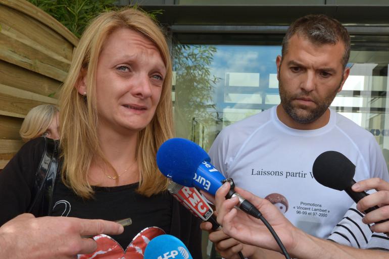 Rachel Lambert devant l'hôpital Sébastopol à Reims le 23 juillet 2015.