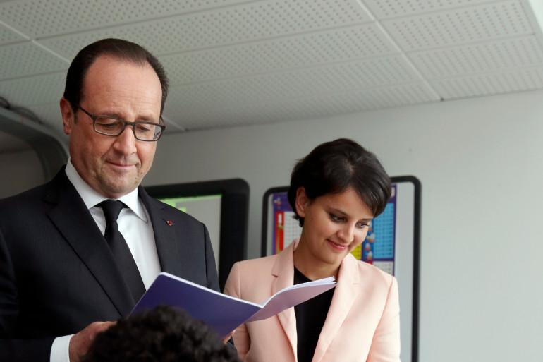 François Hollande et Najat Vallaud-Belkcem dans un collège aux Mureaux, le 7 mai 2015
