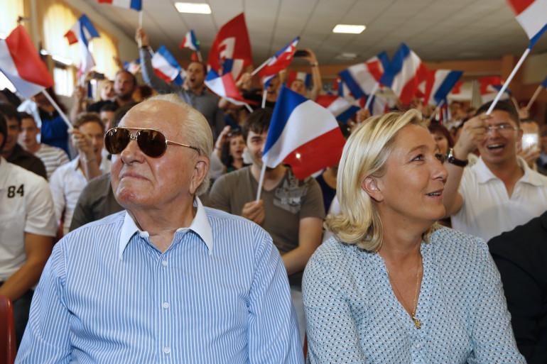 Jean-Marie Le Pen et sa fille Marine au congrès d'été du Front national en septembre 2014 (archives)