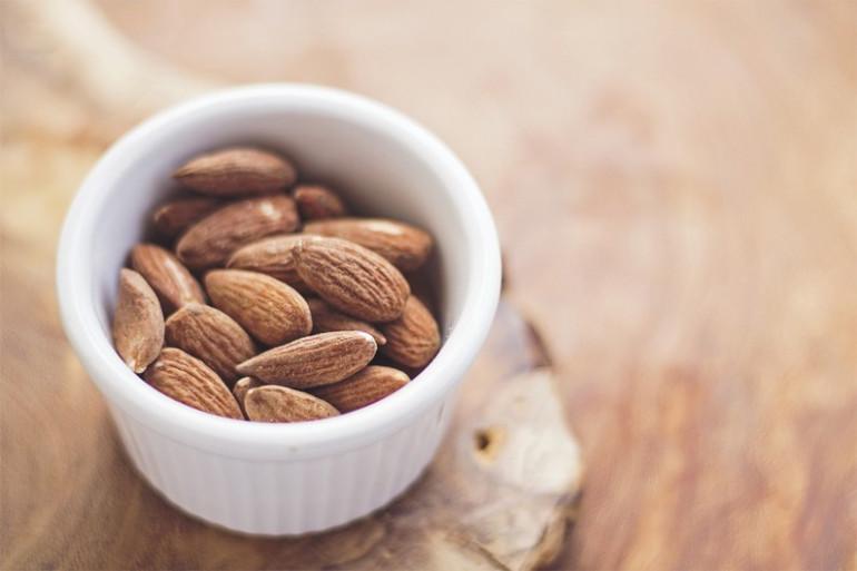 L'amande est un bon aliment santé riche en fer et en magnésium.