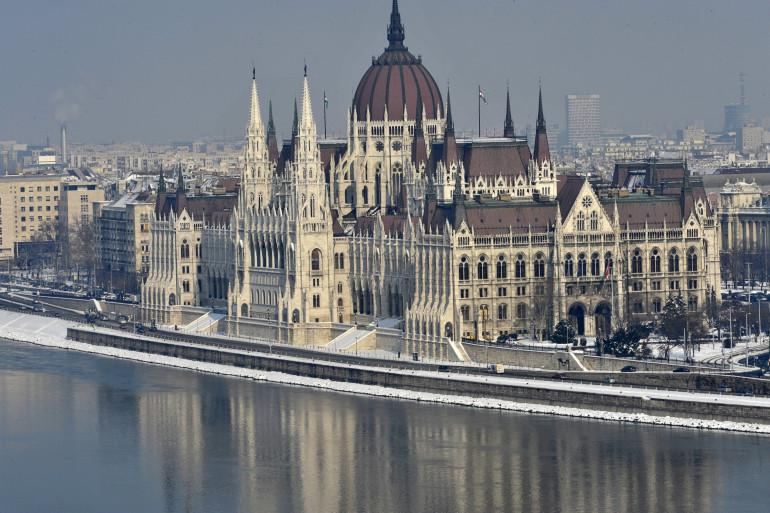 La Hongrie espère accueillir les Jeux pour la première fois grâce à Budapest, sa capitale. Il s'agit de la dernière candidature confirmée