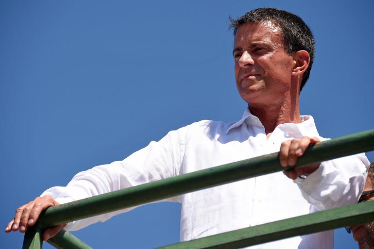 Manuel Valls à Vauvert dans le Gard le 11 août 2015.