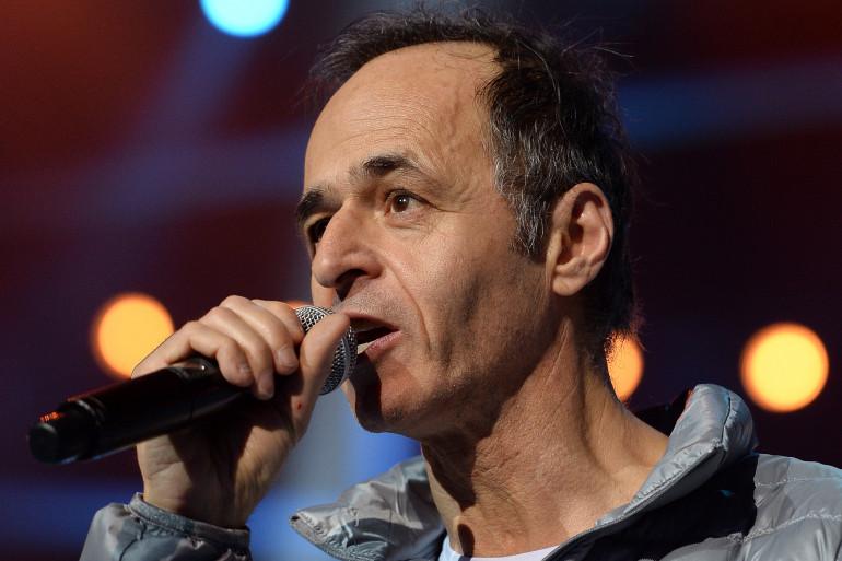 """Jean-Jacques Goldman lors d'un concert des """"Enfoirés"""" le 15 janvier 2014 à Strasbourg."""