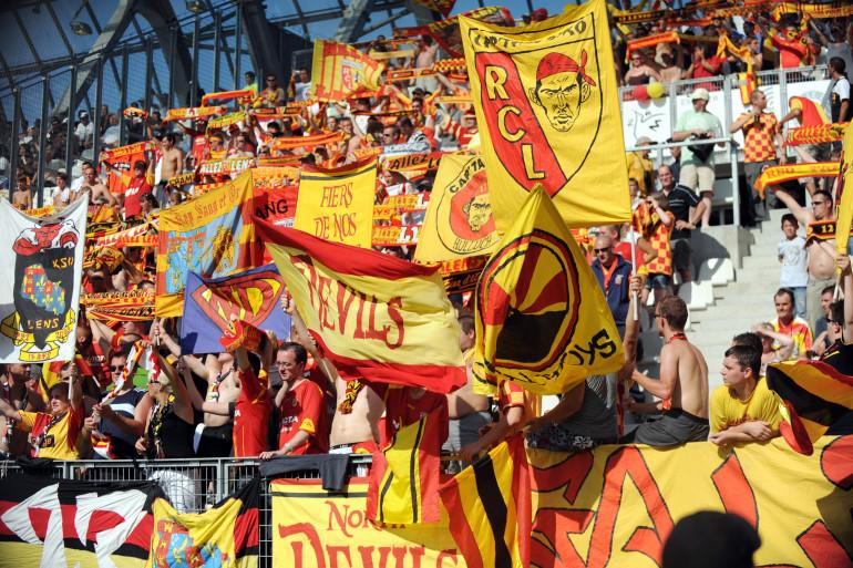 Des supporters de Lens en août 2009 à Grenoble