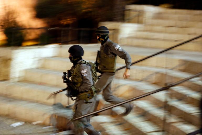 Des soldats israéliens, le jour de l'attaque d'un Palestinien ce samedi 3 octobre 2015 dans la Vieille Ville de Jérusalem.