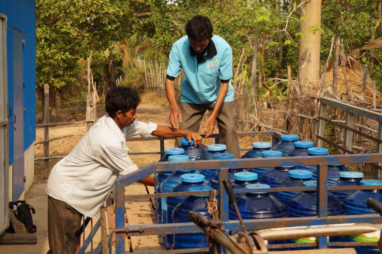 1001 Fontaines s'appuie sur des ONG locales