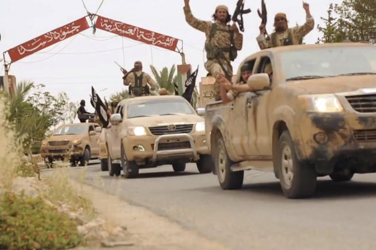 Des jihadistes de Daesh en convoi, capture d'écran d'une vidéo de propagande.