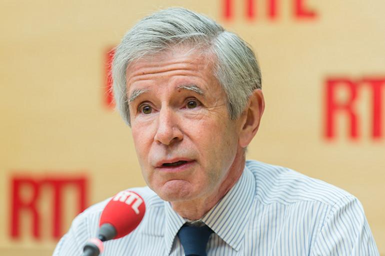 Alain Minc se prononce en faveur d'une suspension provisoire de la loi de 1905 pour permettre une meilleure intégration des musulmans en France.