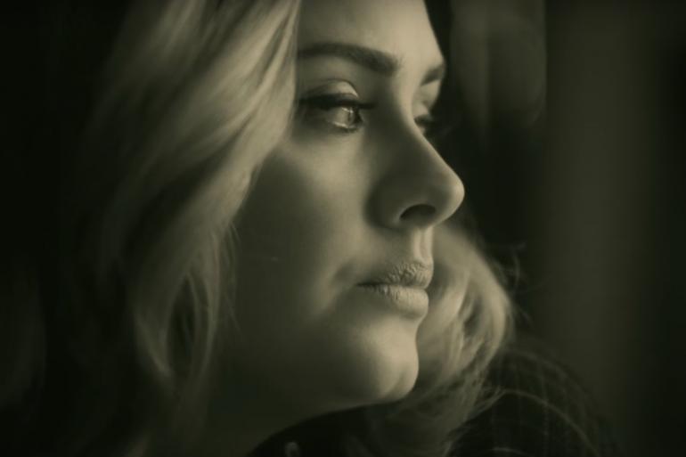 """Adele dans le clip de son nouveau titre """"Hello"""""""